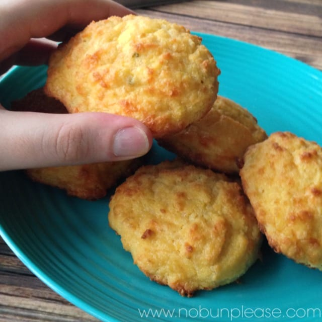 keto-cheddar-biscuits